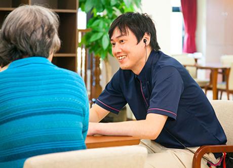 【落ち着いた環境で働ける】介護付き有料老人ホームの送迎ドライバーを募集します。